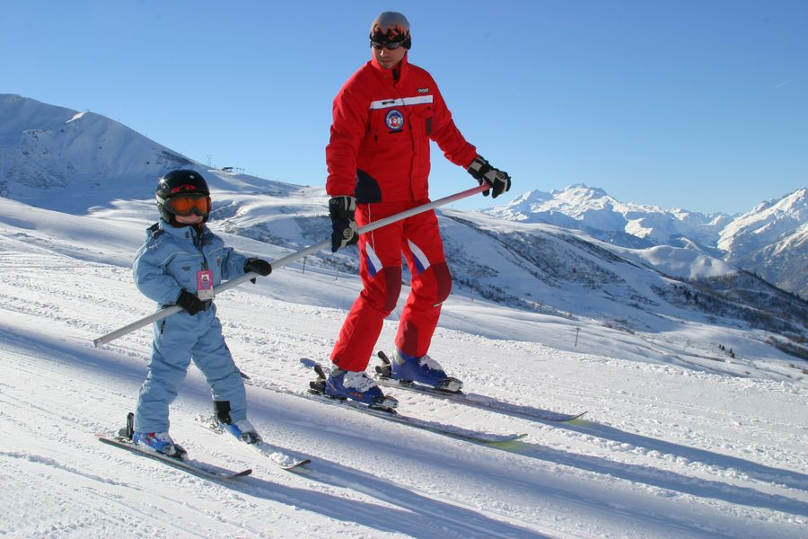 ESF Ski school in the French Pyrenees
