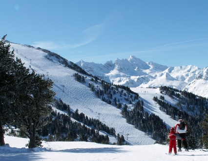 Ax Les Thermes & 3 Domaines, Ski Domain.  Catalan Pyrenees