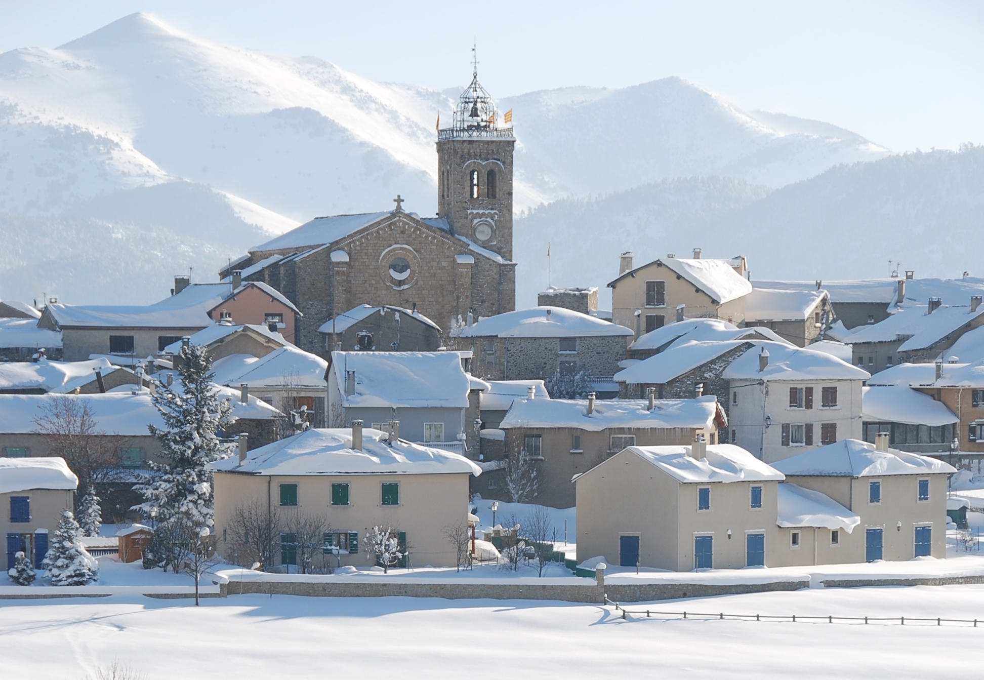 les angles french pyrenees ski holiday | apartments & hotels
