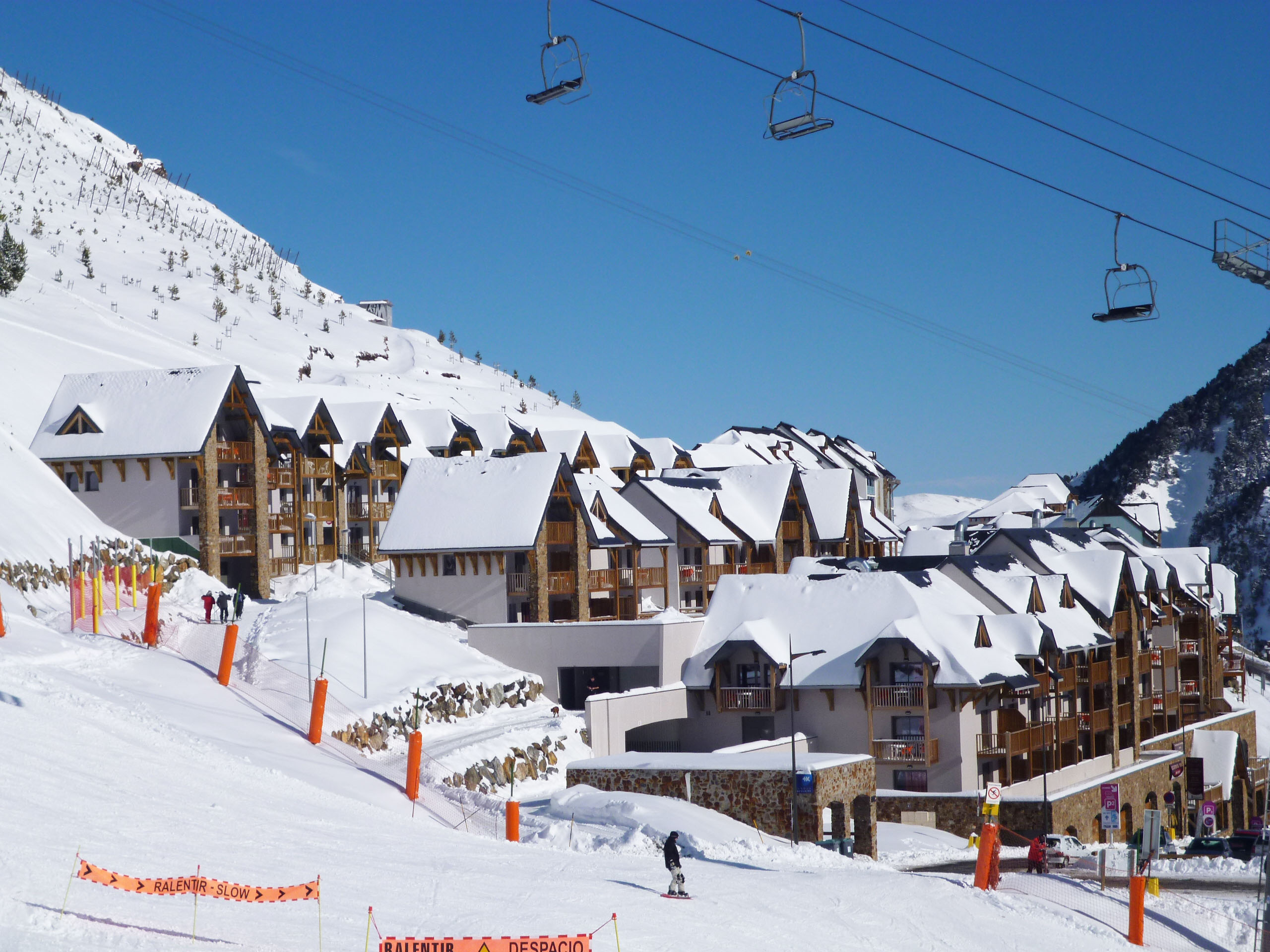 Ski special offers and deals, French Pyrenees